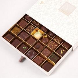 Grand Coffret 36 Chocolats - Assortiment Noir et Lait